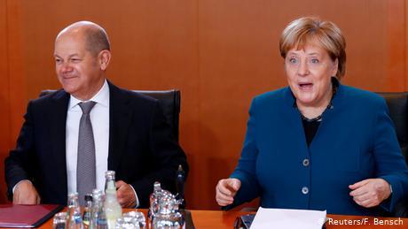 Κυβέρνηση Μέρκελ: Θετικός απολογισμός αλλά με αστερίσκους