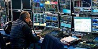 Σε κλοιό ρευστοποιήσεων οι ευρωπαϊκές αγορές