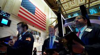 Σε ρηχά «νερά» η Wall Street-Στο «κόκκινο» ο τεχνολογικός κλάδος