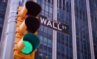 Η αισιοδοξία για το εμβόλιο έδωσε ώθηση στη Wall Street
