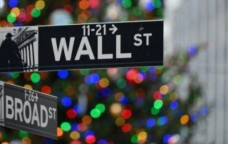 Χριστουγεννιάτικη άνοδος για τη Wall Street