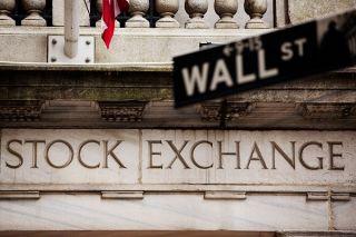 Wall Street: Σε τροχιά νέων ρεκόρ οι Dow Jones-S&P 500