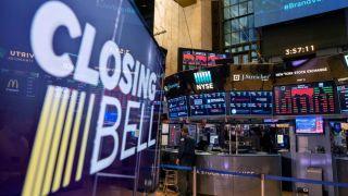 Σημάδια ανάκαμψης στη Wall Street μετά τις χθεσινές απώλειες