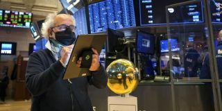 Σε τροχιά απωλειών για τρίτη συνεχή μέρα η Wall Street