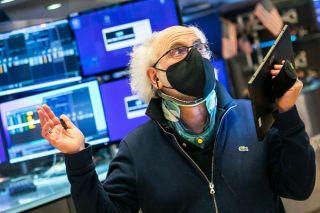 «Ριμπάουντ» της Wall Street σε μία εβδομάδα έντονης μεταβλητότητας-«Απογειώθηκε» το πετρέλαιο