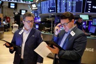 Στο «κόκκινο» η Wall Street- «Βουτιά» για τις τεχνολογικές μετοχές