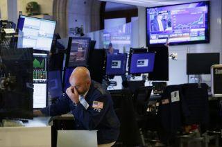 Στο «κόκκινο» η Wall Street σε συνεδρίαση quadruple witching