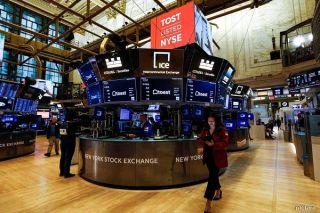 Η Wall Street «γκαζώνει» με ώθηση από Fed και μάκρο