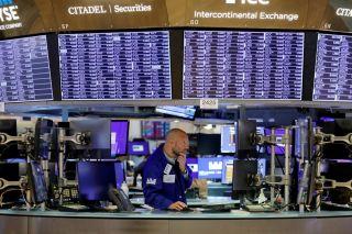 Οι πωλητές επανήλθαν στη Wall Street ελέω πληθωρισμού
